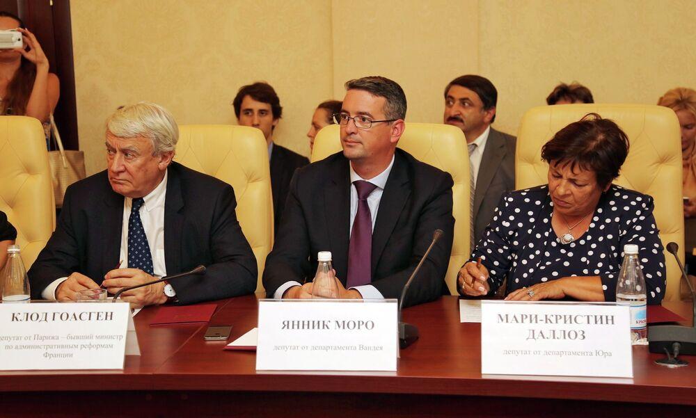 Les députés français Claude Goasguen, Yannick Moreau et Marie-Christine Dalloz