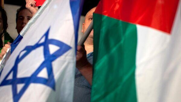 Drapeaux israélien et palestinien - Sputnik France