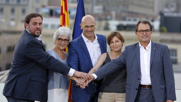 Oriol Junqueras, Muriel Casals, Raul Romeva, Carme Forcadell et Artur Mas - Sputnik France