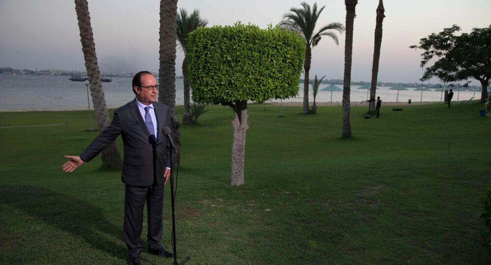 Francois Hollande à l'inauguration de la seconde voie du canal de Suez, Egypt, 6.08, 2015