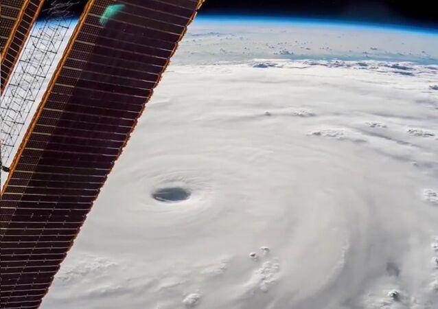 Un super-typhon vu depuis l'espace