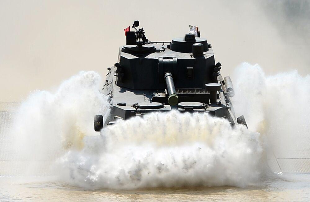Russie: concours international de tir d'artillerie
