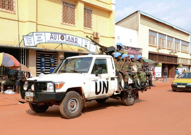 Un véhicule de la mission de maintien de la paix de l'Onu à Bangui, en 2014