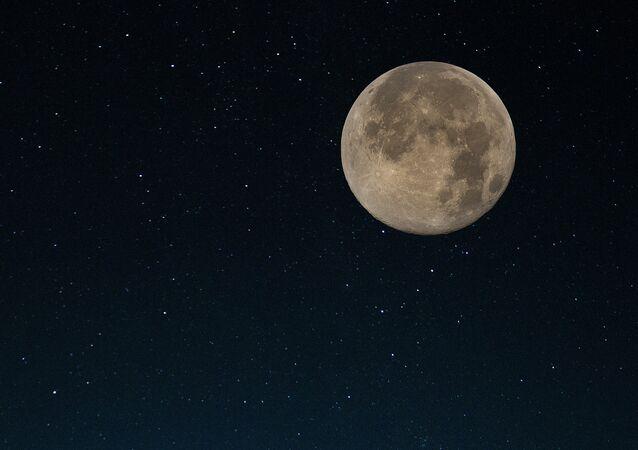 La Russie et les Etats-Unis regardent vers la Lune