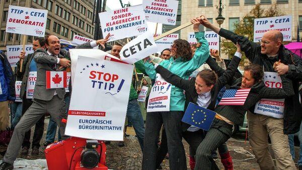 Protest against TTIP and CETA in Berlin - Sputnik France