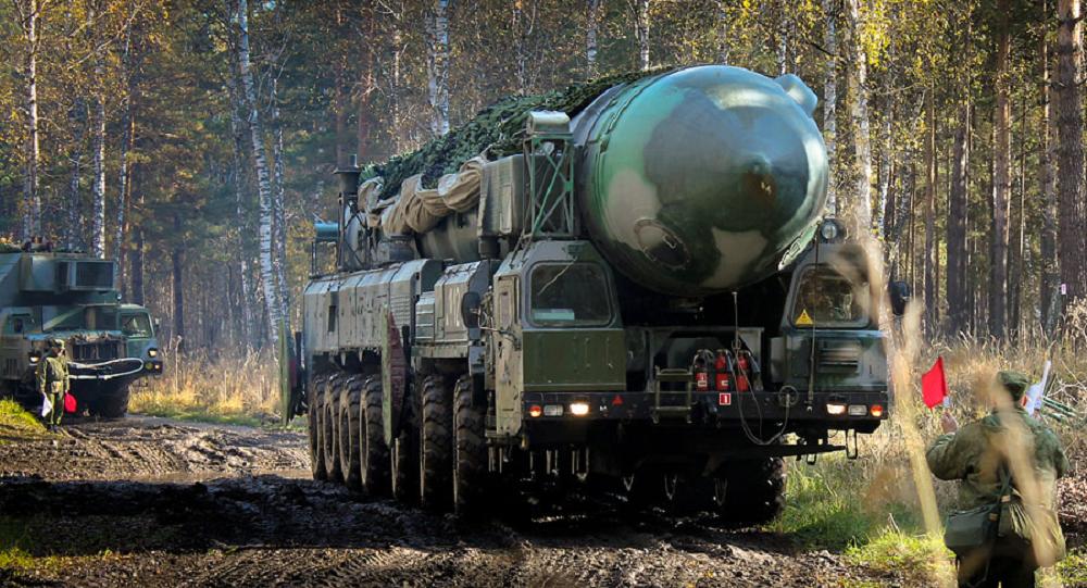 Un camouflage dernier cri pour les missiles balistiques russes Topol