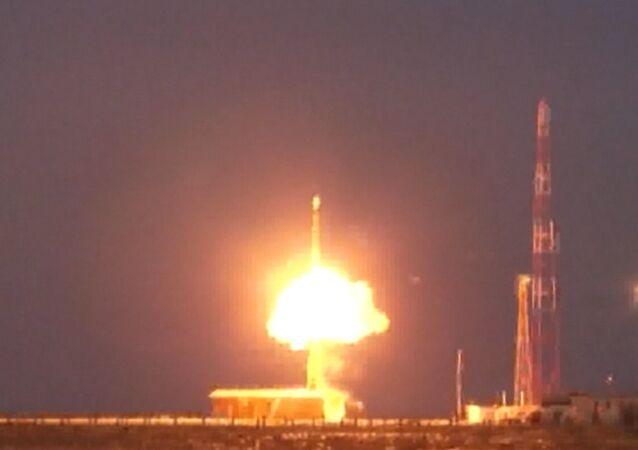 Russie: tir d'essai d'un missile intercontinental Topol