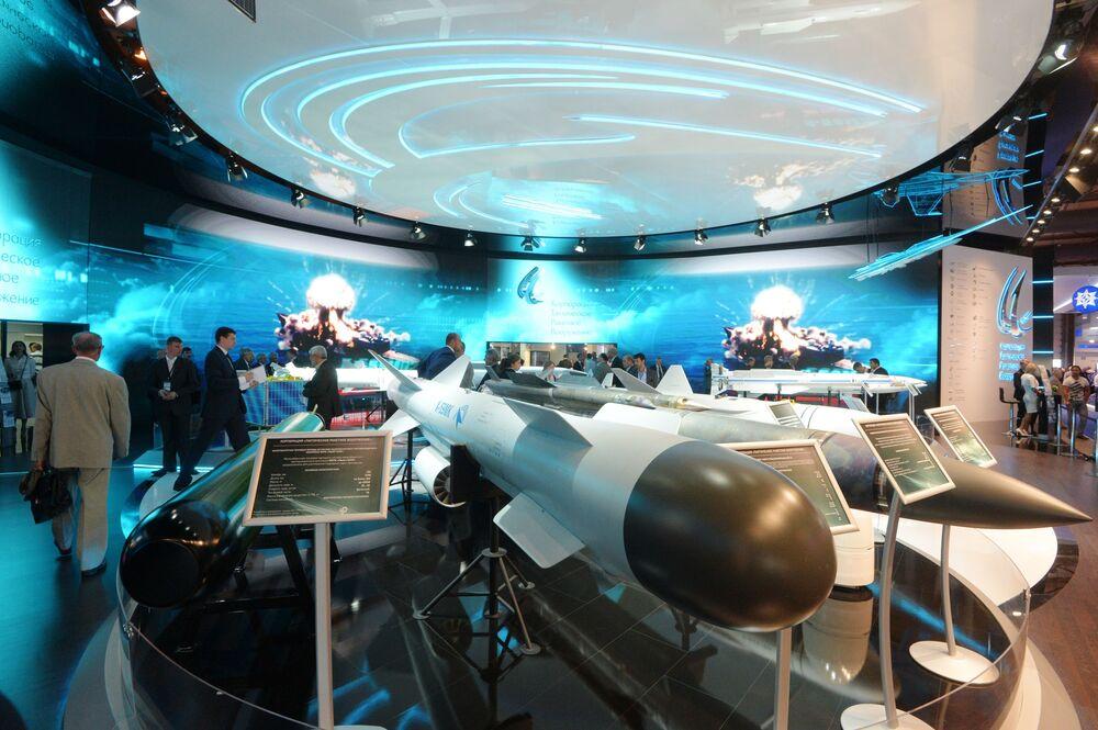 Salon aérospatial MAKS 2015: c'est parti!
