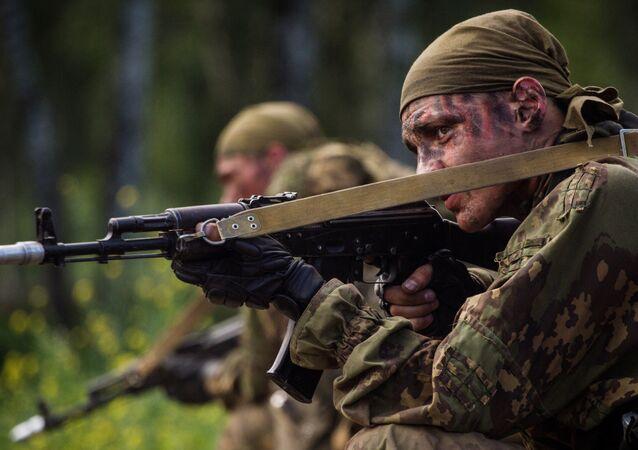 Des participants d'un concours militaire représentant des Forces armées russes