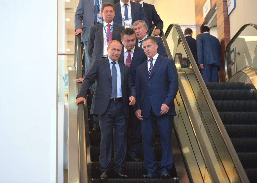 Poutine au Forum économique oriental de Vladivostok