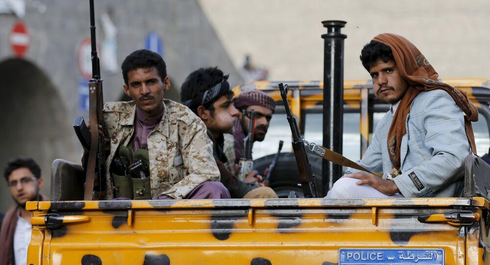 Rebelles houthis à Sanaa
