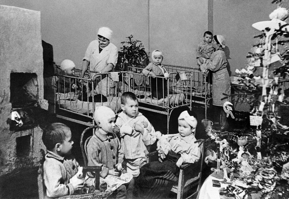 Célébration du Nouvel an à l'hôpital pédiatrique de Léningrad