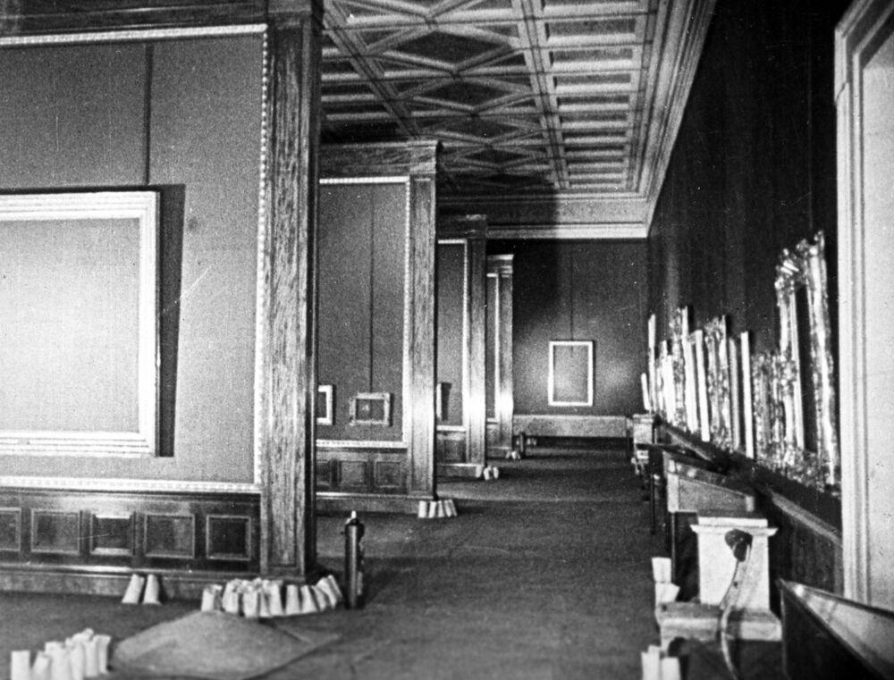 Les salles vides de l'Ermitage