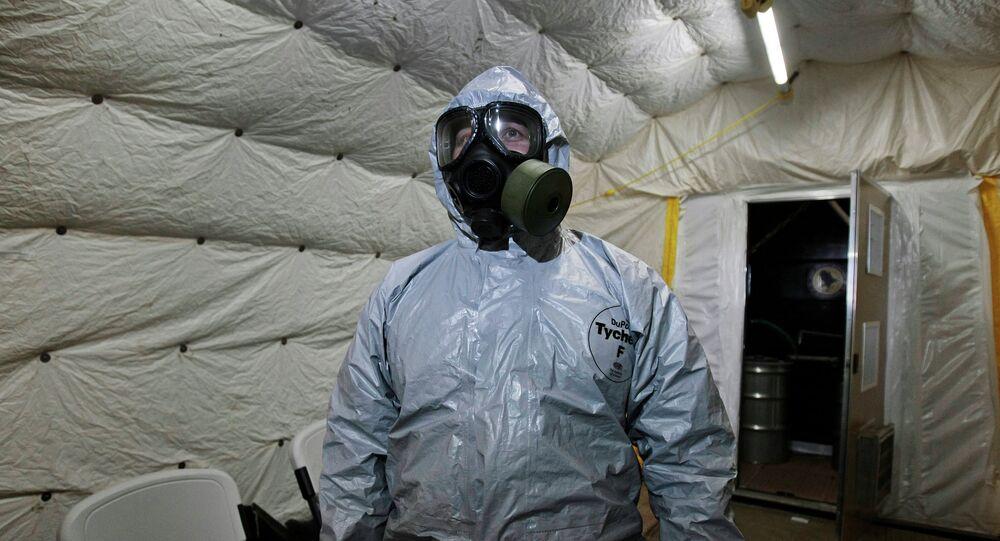 Costume de protection chimique. Image d'illustration