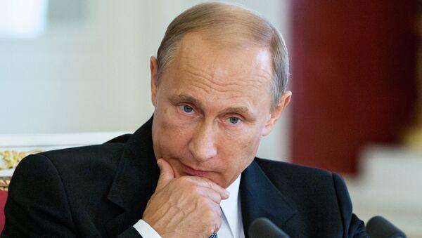 Президент России Владимир Путин во время пресс-конференции по итогам встречи в Кремле с президентом Арабской Республики Египет Абделем Фатах ас-Сиси - Sputnik France