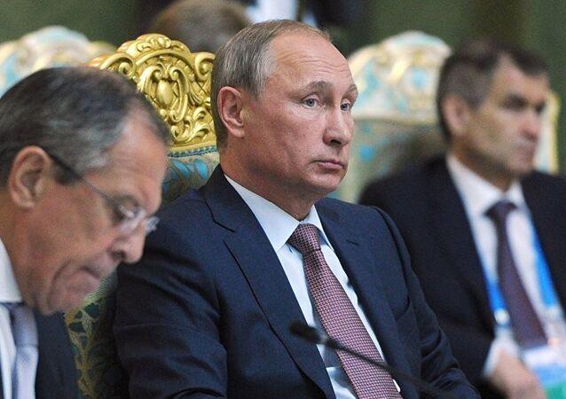 Vladimir Poutine lors du sommet de l'OTSC au Tadjikistan