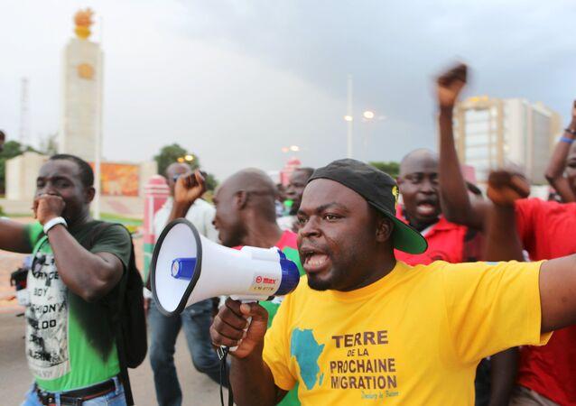 Les manifestants (Ouagadougou, au Burkina Faso)