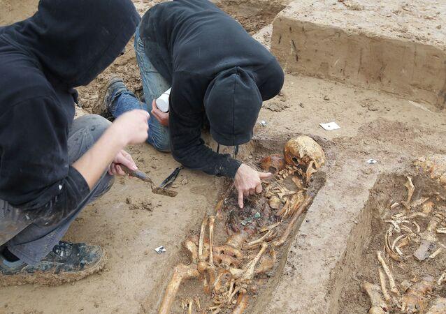 200 squelettes de soldats de Napoléon découverts sur un chantier à Francfort, Allemagne, Septembre 17, 2015