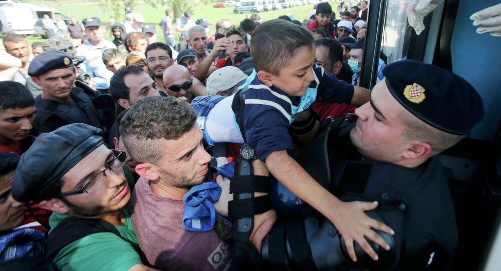 Les migrants aux passages frontaliers en Croatie, Sept. 17, 2015
