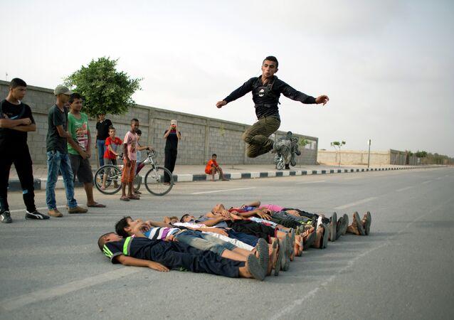 Des amateurs de sports extrêmes dans la bande de Gaza