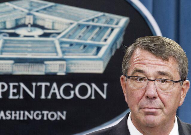 le secrétaire à la Défense Ashton Carter