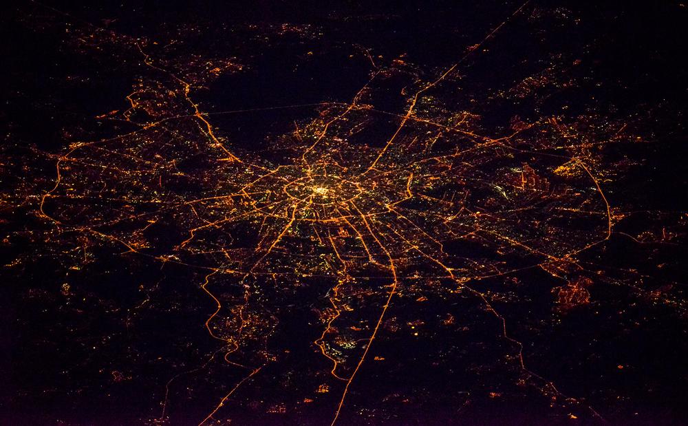 Vue de nuit sur Moscou depuis l'ISS