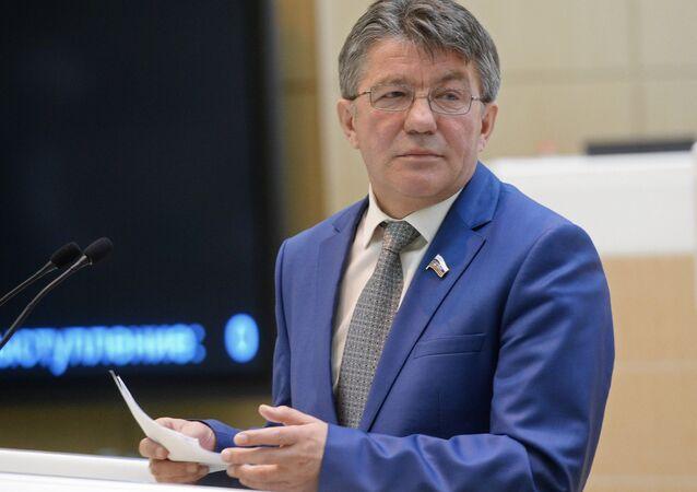 Viktor Ozerov, président de la Commission de la défense et la sécurité du Conseil de la Fédération (sénat russe)