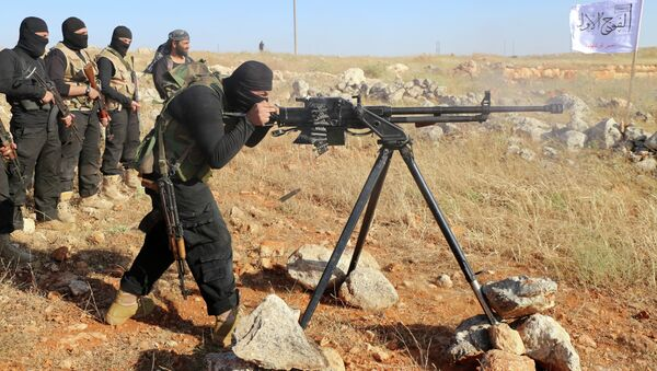 Rebel fighters from the First Battalion under the Free Syrian Army take part in a military training on June 10, 2015, in the rebel-held countryside of the northern city of Aleppo - Sputnik France