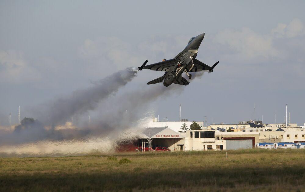 Un chasseur F-16 des forces belges