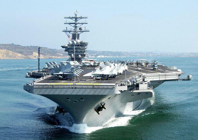 Le porte-avions américain USS Nimitz
