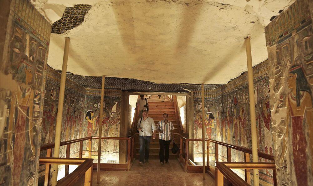 A la recherche de la sépulture de Néfertiti. Le tombeau de Toutankhamon à Louxor