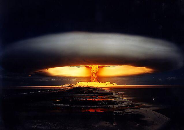 Explosion d'une bombe atomique