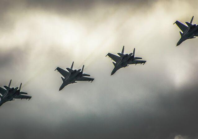 Ex-chef de l'armée britannique: c'est la Russie qui agit efficacement en Syrie