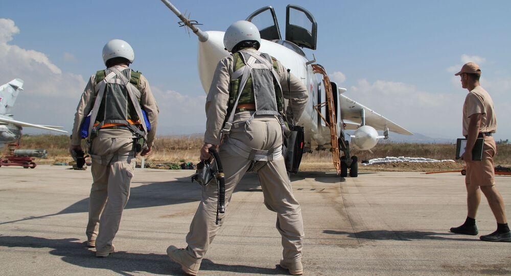 Préparation d'un vol depuis la base aérienne de Hmeimim en Syrie.