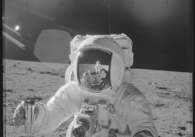 9.000 images inédites de l'homme sur la Lune