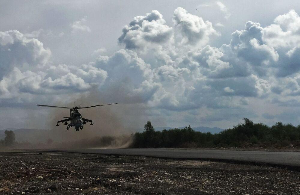 Les hélicoptères d'assaut russes sur l'aérodrome syrien de Hmeimim