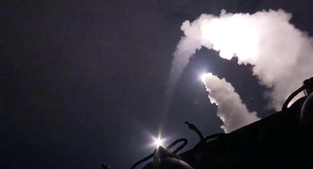 Des missiles russes tirés depuis la mer Caspienne frappent les terroristes en Syrie, 2015