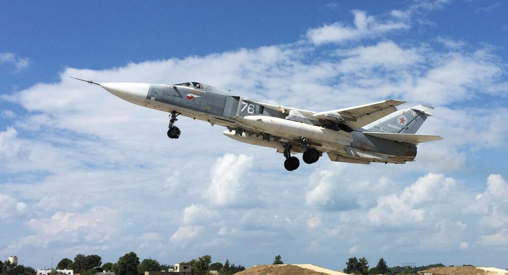 avion russe Su-24, l'aérodrome de Hmamiyat à Lattaquié