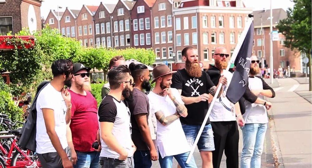 Des barbus suédois pris pour des terroristes de l'EI