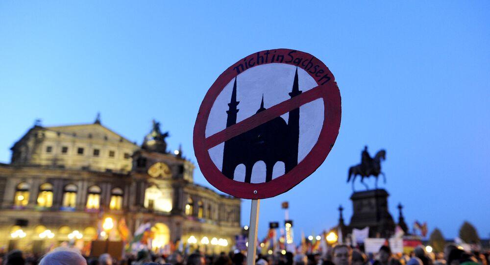 Des milliers d'Allemands ont manifesté contre l'afflux de réfugiés