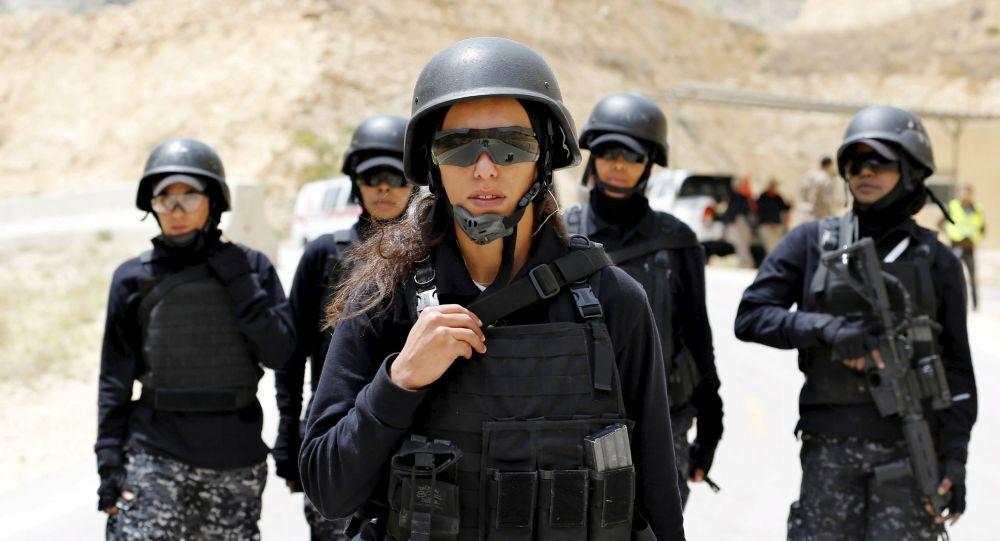 Femmes-policiers