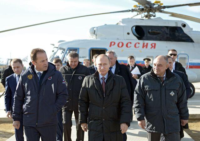 Poutine visite le chantier du cosmodrome Vostotchny