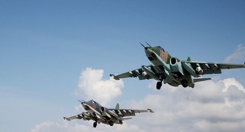 Des Su-22 russes décollent depuis la base syrienne de Hmeimim