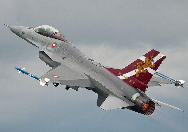 Un F-16 des forces royales danoises