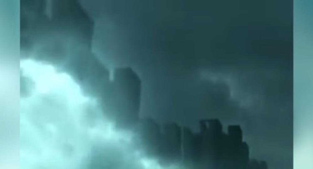 une ville fantôme dans le ciel en Chine