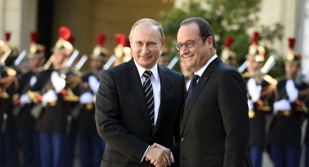 Le président français François Hollande et le président russe Vladimir Poutine à Paris. Archive photo