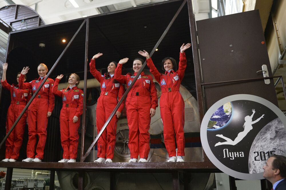 Des femmes russes s'embarquent pour la Lune