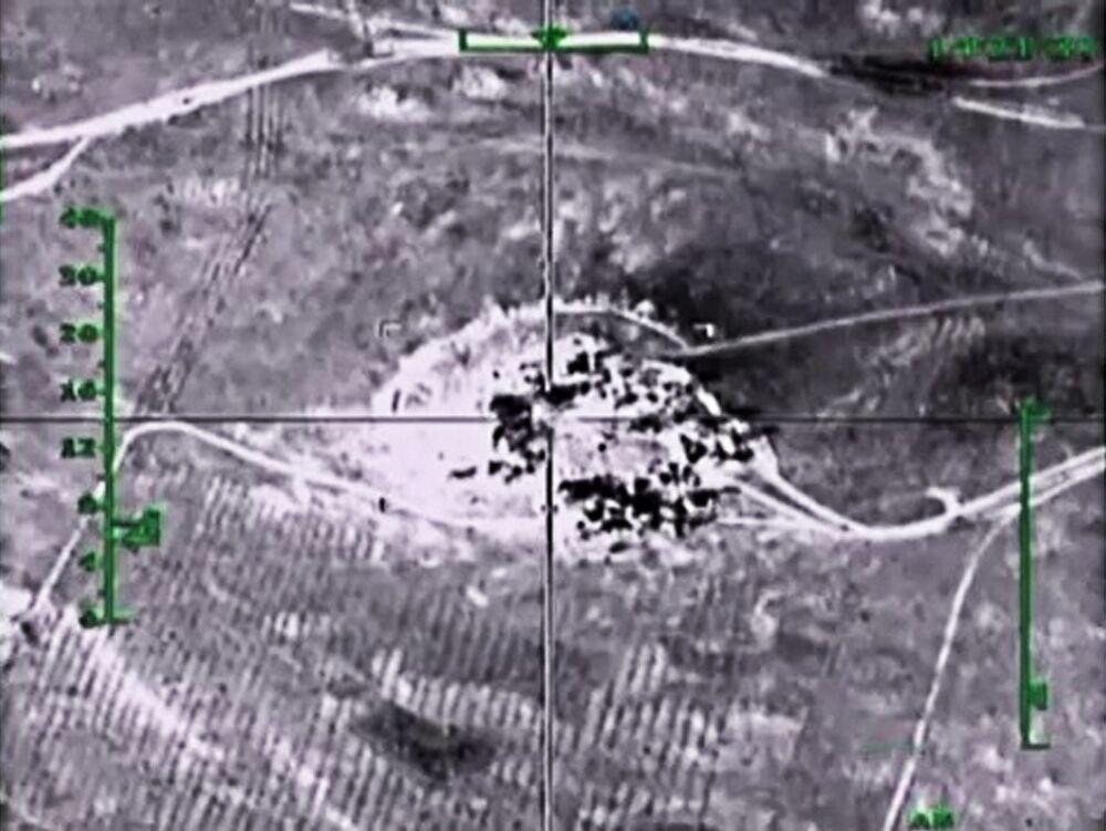 Les frappes russes contre les terroristes dans les provinces de Hama et d'Alep