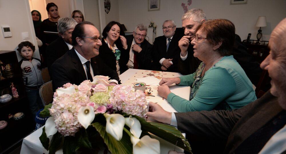 La rencontre bidonnée entre François Hollande et Lucette fait le buzz