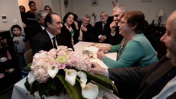 La rencontre bidonnée entre François Hollande et Lucette fait le buzz - Sputnik France